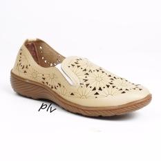 Pluvia - Grivera Sepatu Flat Shoes  Wanita Terbaru Laser B20 - Cream