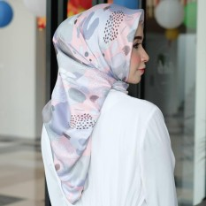 Hijab - Kerudung Segi Empat - Velvet Silk - Loly / Jilbab