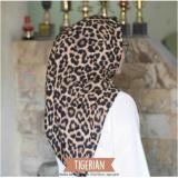 Spesifikasi Hijab Segi Empat Leopard Wolfis 110X110 Baru
