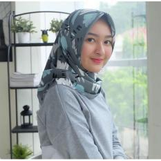 Hijab segiempat motif wolfis