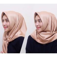 Hijab Square Kerudung Segi Empat - Satin Polos - Coklat Gold