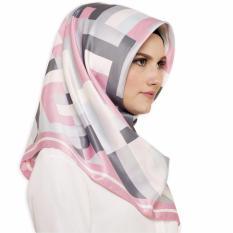 Hijabstore - Moshaict By Itang Yunasz AL 133 - Putih Motif Geometri