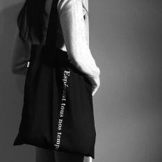 Ins kain Buku warna yang sama Buatan Sendiri 2017 Korea Selatan Situs resmi model baru tiga warna netral cetak huruf Tas kanvas tas bahu tunggal