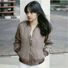 Diskon Jaket Bomber Wanita Cream Fashion