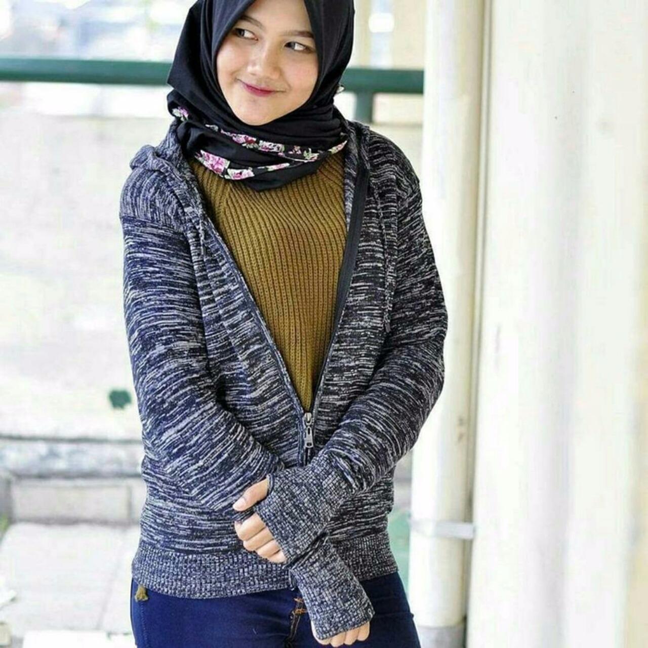Roundhand Sweater Abu Daftar Harga Terkini Dan Terlengkap Secker Sj0015 Jaket Hoodie Rajut Wanita Hitammaroon Muda Tua