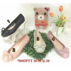 Rp 93.200 sepatu murah / jelly shoes barabara sepatu wanita karet import flat shoes .