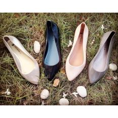 Myanka Jelly Shoes Flat Lancip (Abu Tua)IDR29500. Rp 29.500