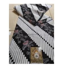 Kain Batik Parang Kembang Bunga Jarik Kebaya Manten Seserahan Jawa Bagus Bahan Primisima Ukuran 210*110cm Cocok Buat Kebaya Ataupun Baju Kemeja Batik Adem Nyaman Dipakai Harga Kami Termurah Karena Ambil Langsung Dari Pengerajin Jogja