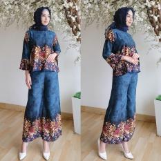 Kembar Stelan Atasan Celana Kulot Plus Blouse Motif Bunga Warna Hijau
