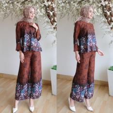 Kembar Stelan Celana Kulot Plus Blouse Motif Bunga Brown