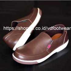 Kickers Nubis Hitam Sepatu Pria Flat - Sepatu Pria ala Wakai Slip On Loafers Leather/Suede Kulit asli - Nyaman dipakai