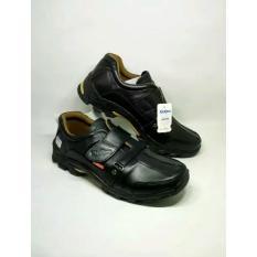kickers - sepatu pria casual formal untuk kerja santai kulit sapi warna hitam