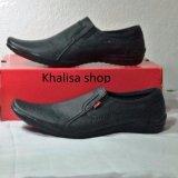 Harga Kickers Sepatu Pria Kulit Asli Model Kr 666 Black Branded