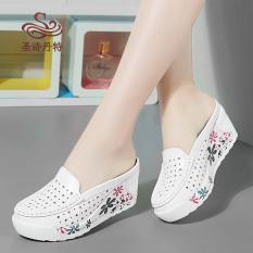 Sepatu Sandal Wanita Kulit Asli Hak Wedge Bagian Depan Tertutup Berongga (Cahaya Bulan) (Cahaya Bulan)