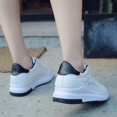 Sepatu Kets Wanita Putih Permukaan Kulit Sol Tebal Versi Korea (Hitam) (Hitam)
