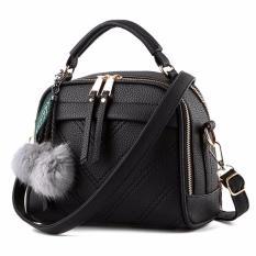 Review Montana Tas Branded Wanita With Pompom Premium Pu Leather Hitam Terbaru