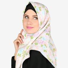 Review Parisku Jilbab Hijab Segiempat Katun Square Darin Peach Terbaru