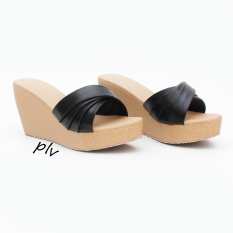 Pluvia - Sandal Wedges Wanita Cross MS02 - Hitam