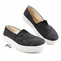 Jual Beli Pluvia Sepatu Sneakers Slip On Wanita Canvas Hl15 Hitam Di Indonesia