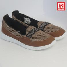 Diskon Ramayana World Star Sepatu Casual Slip On Wanita Kanvas Motif Polos World Star 07970471 36