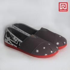 Ramayana - Worldstar - Sepatu slip on pria motif bintang kain kanvas warna abu kombinasi hitam worldstar (07971528)