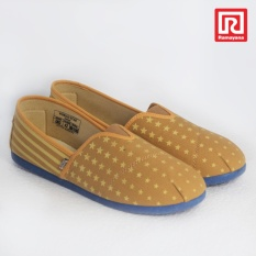 Ramayana - Worldstar - Sepatu slip on pria motif bintang kain kanvas warna moka kombinasi coklat muda worldstar (07971428)