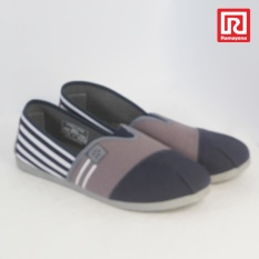 Ramayana - Worldstar - Sepatu slip on pria motif garis kain kanvas warna biru laut kombinasi abu worldstar (07971287)