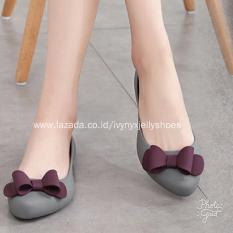Beli Ribbon Jelly Shoes Warna Gray Baru