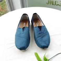 Rioros Sepatu Wanita Flat Shoes Slip On Kanvas Aria - Biru Jeans