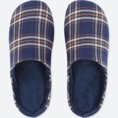 Sandal rumah UNIQLO motif kotak