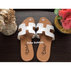 Sandal Teplek Flat Herme - Putih