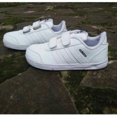 Sepatu anak anak sport putih