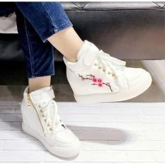 Sepatu boots bunga sakura putih wedges casual baru murah