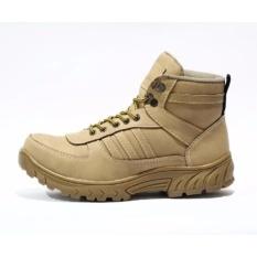 Sepatu Boots Safety Proyek Sepatu Fashion pria CV Grande Krem