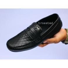 Sepatu casual pria crocodile  kulit sintetis slop slop slip on kickers pantofel ( lokal )