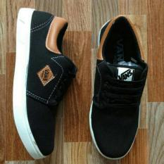 Review Sepatu Casual Pria Denim Black Brown
