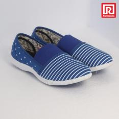 Toko Ramayana World Star Sepatu Kasual Slip On Wanita Flat Shoes Kanvas Motif World Star 07970684 36 Terlengkap