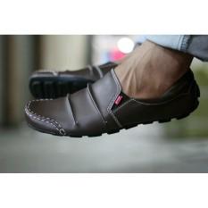 Sepatu Casual slop Kickers Men's Brown