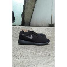 Sepatu Cowok Nike Roshe Run Hitam Polos Terbaru - Kvopeu