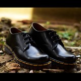 Beli Sepatu Docmart 3 Hole Unisex Casual Sneakers Pria Wanita Pake Kartu Kredit