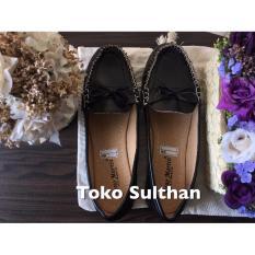 Sepatu Flat Shoes Reno Martin - Hitam