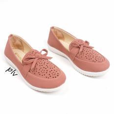 Harga Sepatu Flat Shoes Slip On Ry01 Salem Merk Pluvia
