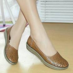 Sepatu Grivera Wanita Tan