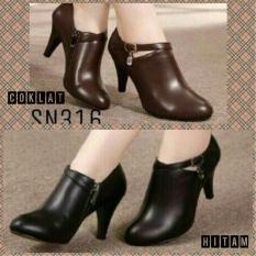 Sepatu High Heels RM1