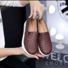 Sepatu Kets Slip On Boots Sneakers Wanita Anyam Emory CM17 Coklat ... 943641478c