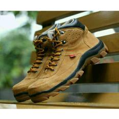 Sepatu Kickers Brembo Safety Boots Suede Leather Tan