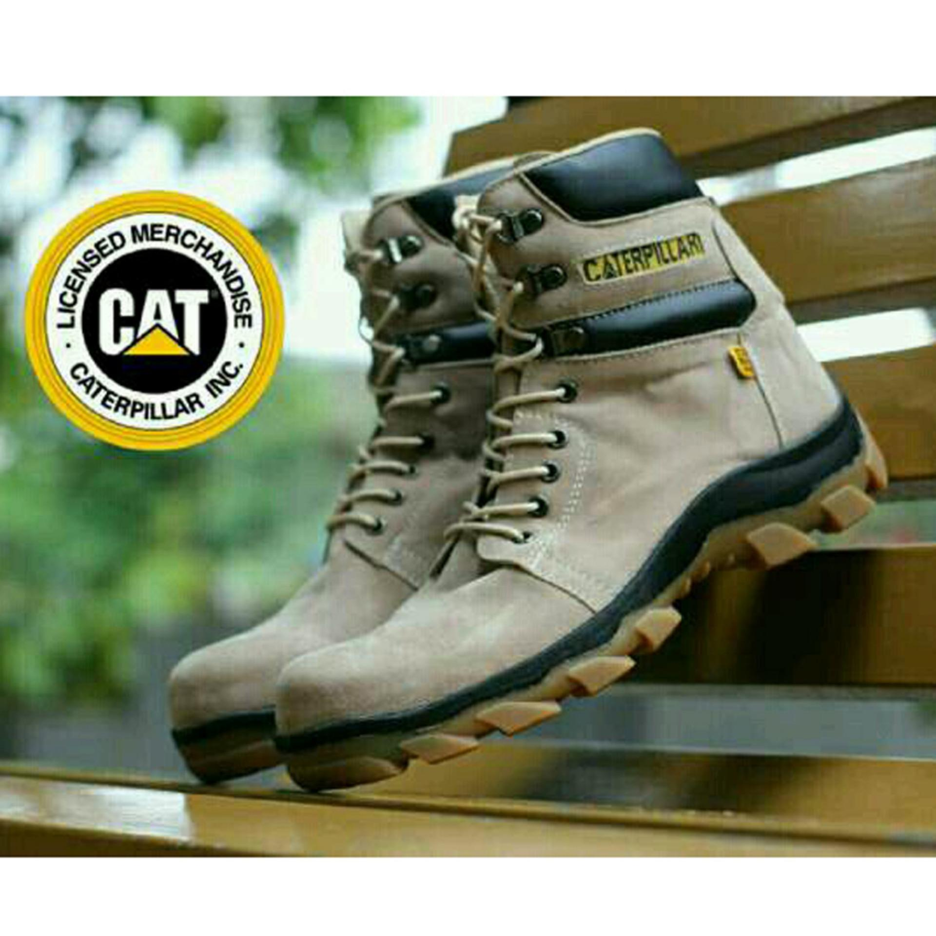 Jual Sepatu Kickers Caterpillar Woods Safety Boots Suede Leather Low Broken White Harga Rp 275000