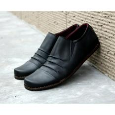 Harga Sepatu Made Slip On Loafer Casual Pria Made Godzila Hitam Paling Murah