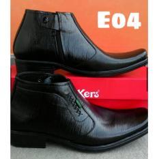 Kickers - Sepatu Pantofel Pria Kerja Formal Resmi Kulit Sapi Asli  Hitam Model Resleting Kantoran Kode E04