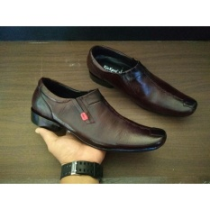Daftar Harga Sepatu Pantofel Leather Slap Kickers Pria Kickers